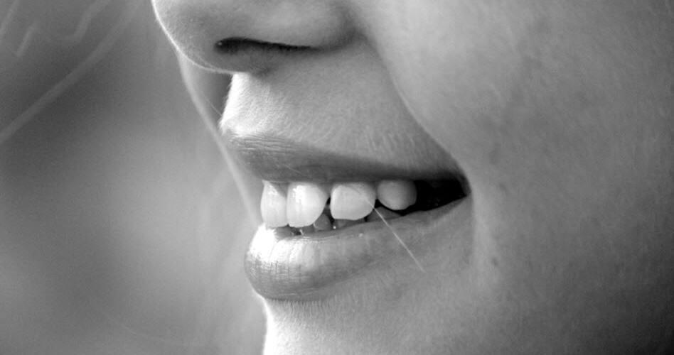 Bestellen von Zähnen im internet